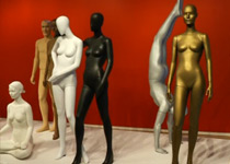 Display mannequins turn into art at New York exhibition